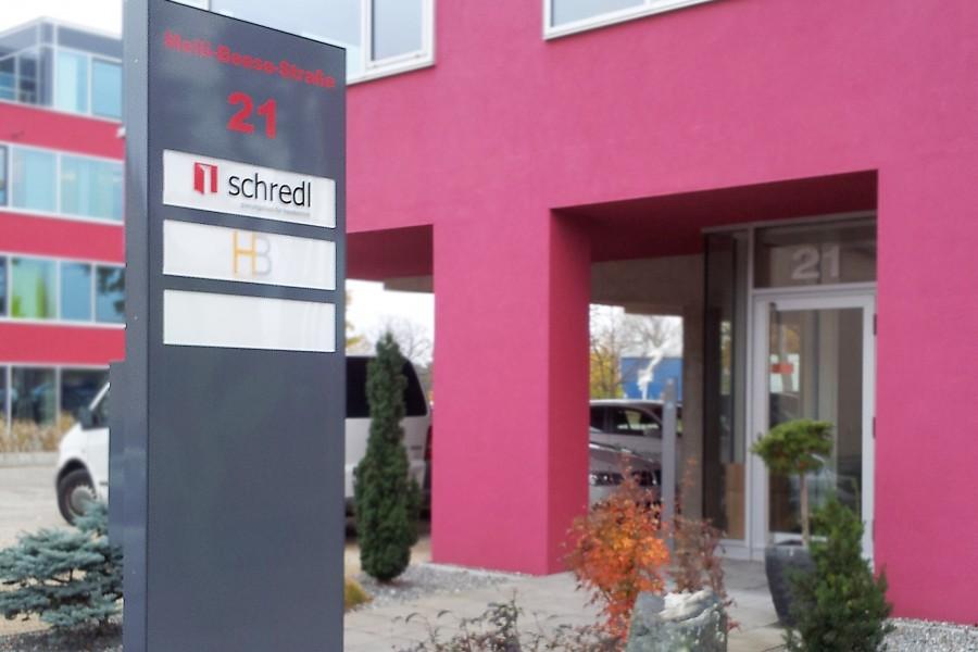 Aussen / Schilder / Planungsbüro Schredl