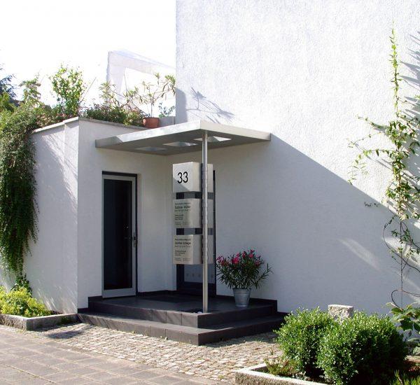 Eingang / Schilder